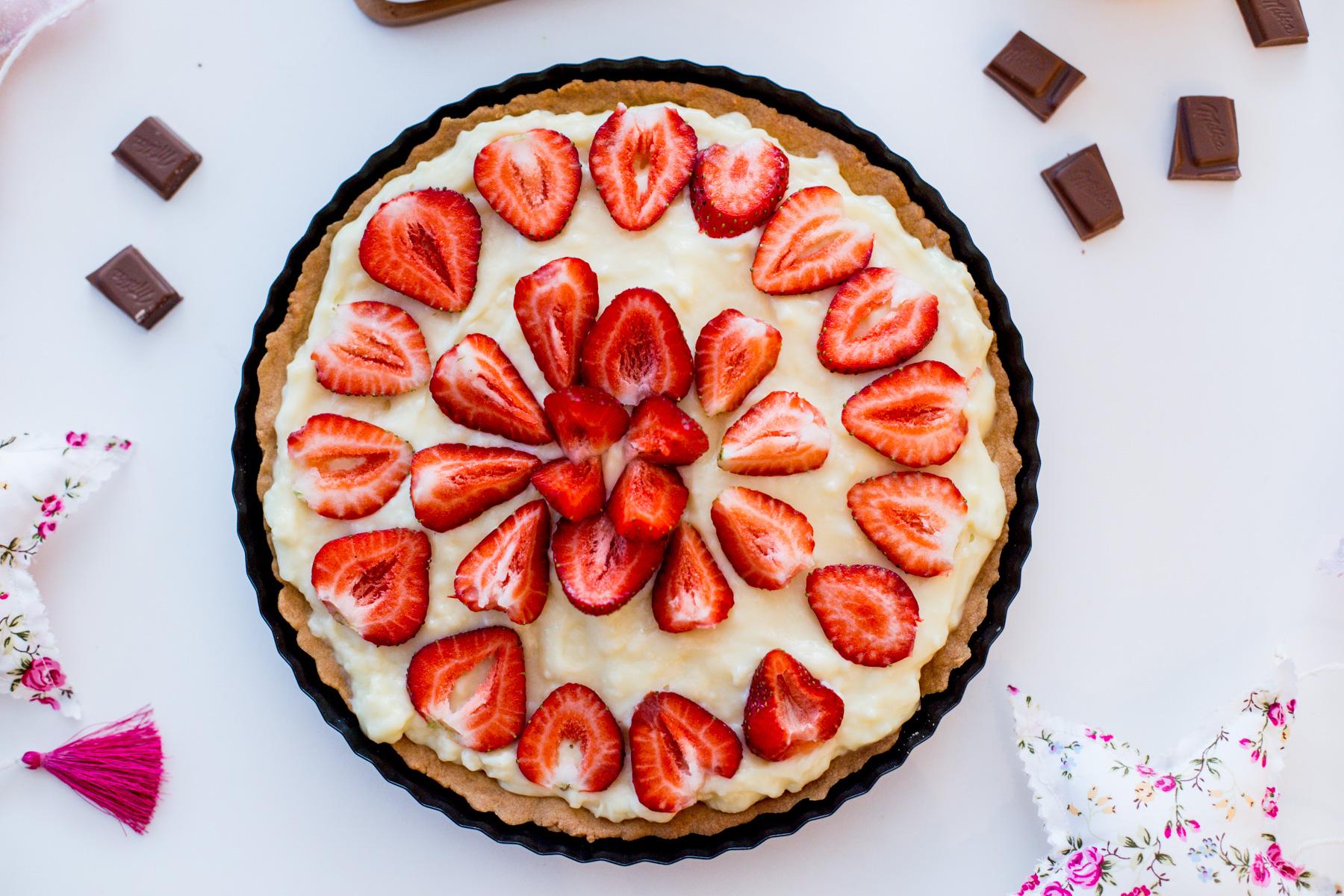 tarta z truskawkami, ciasto z truskawkami, ciasto, truskawki,ciasto na weekend, ciasto dla dzieci, ciasto na lato, wiosenna tarta, ciasto z karpatką,